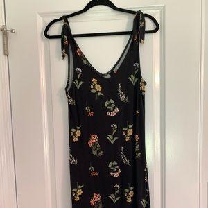 Agnes & Dora knee length black floral dress